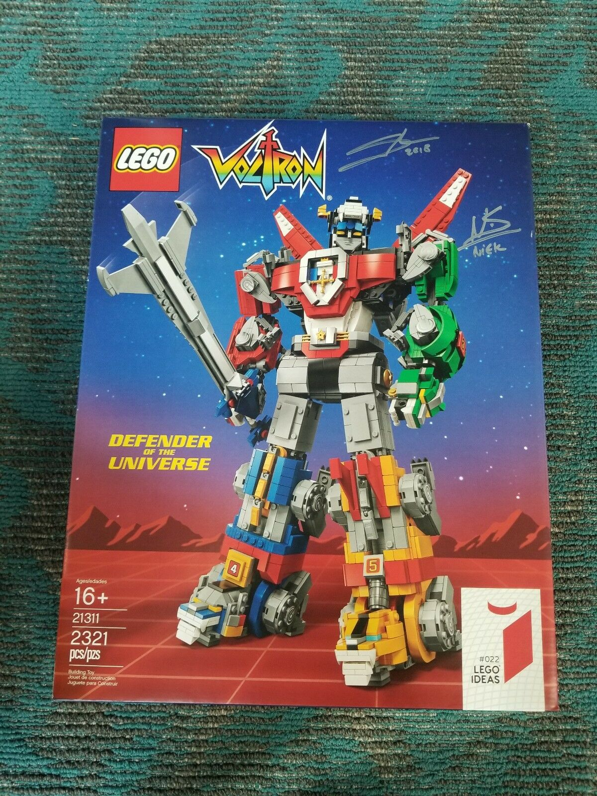 Lego Voltron 21311 SDCC exclusive Signed By Designer, SOLD OUT @ SDCC