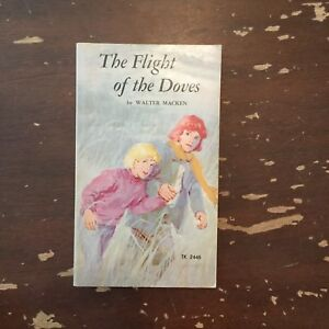 1973-The-Flight-Of-The-Doves-by-Walter-Macken-Scholastic-1st-Printing-Paperback