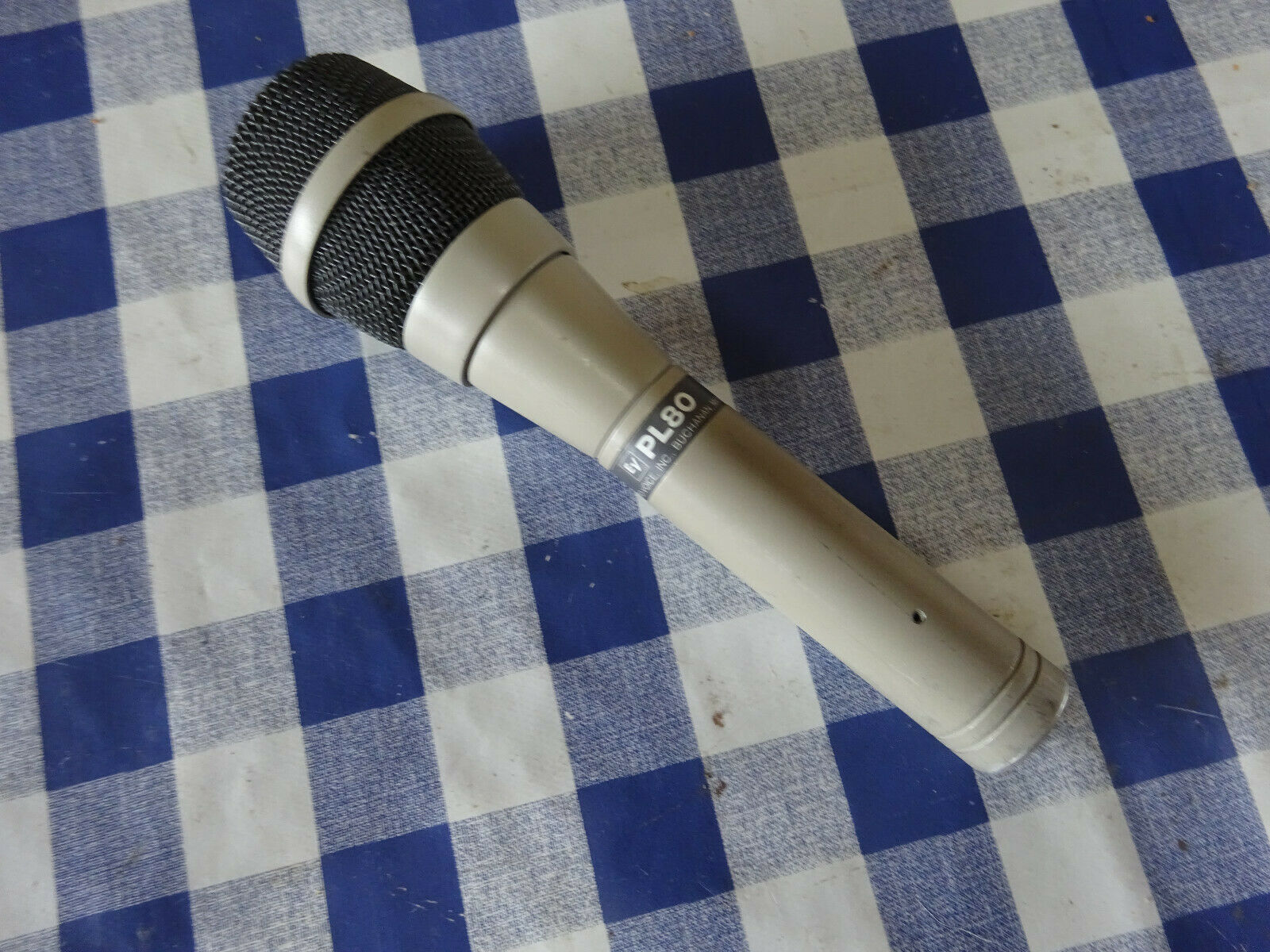 ElectroVoice, EV PL80. Dynamic Microphone. (SM57 Killer)