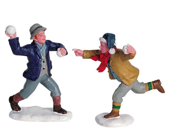 Lemax Figuren - 62308 (269), Set/2, Schneeballschlacht zu zweit, Weihnachtsdorf