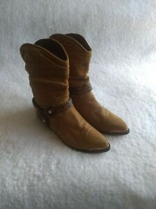 Zodiac-Vtg-Western-Tan-Brown-Genuine-Leather-Pheasant-Feather-Harness-Boots-6M
