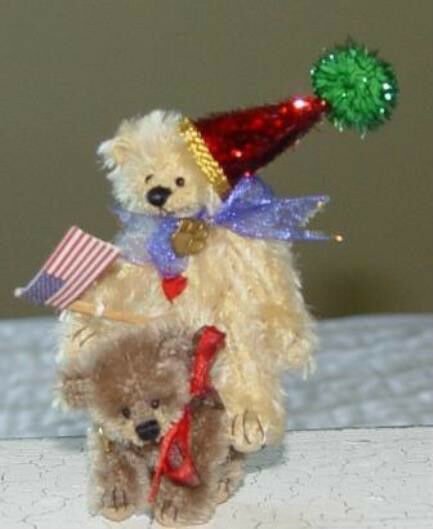 DEB CANHAM   BIRTHDAY AND BASH  SPECIAL 2002 MINIATURE SET OF 2 BEARS