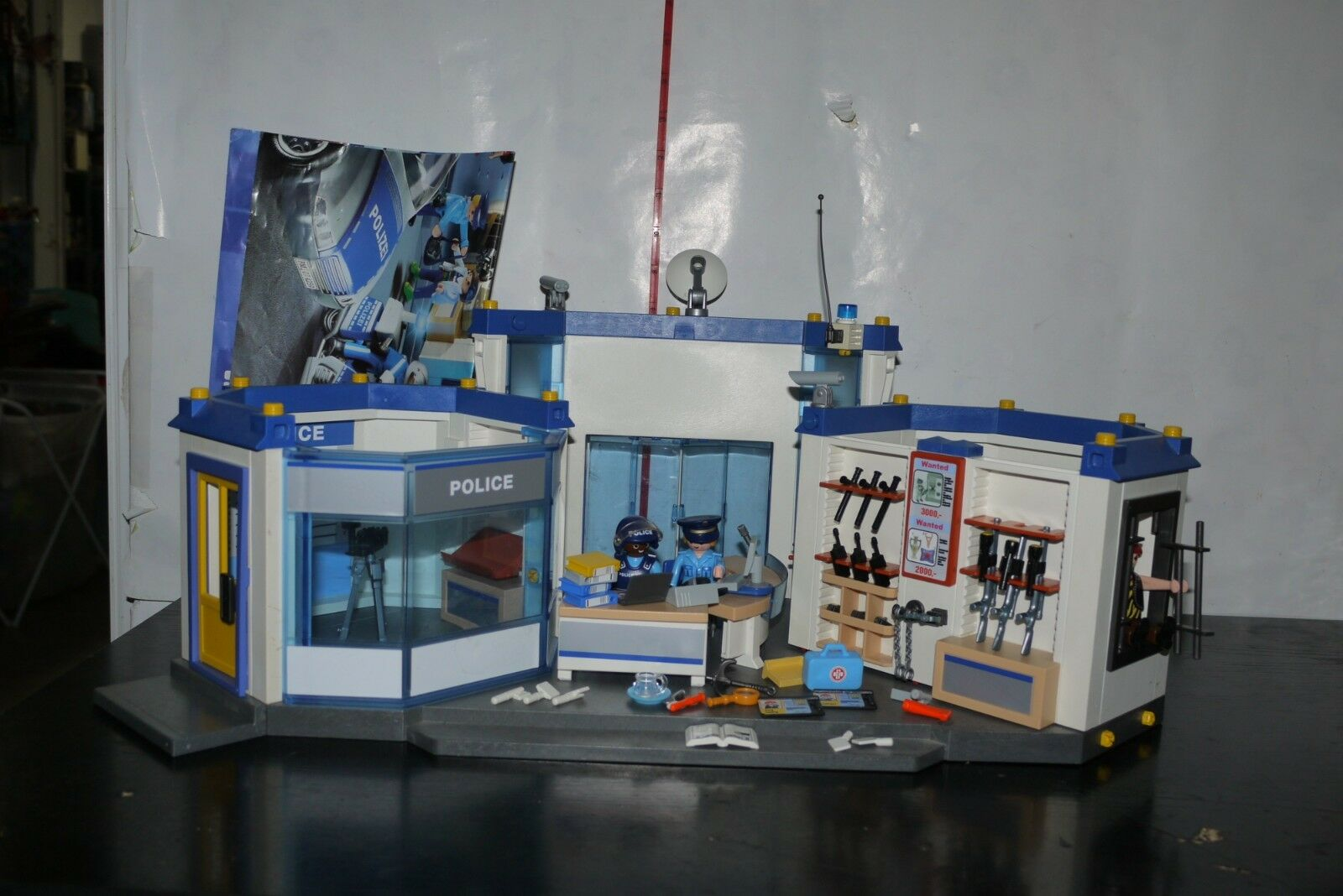 Playmobil 4264 grand poste de police Headquarters 99% ensemble complet
