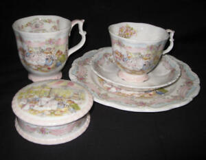 RARE-Royal-Doulton-Brambly-Hedge-034-The-Wedding-034-5-pieces-collection