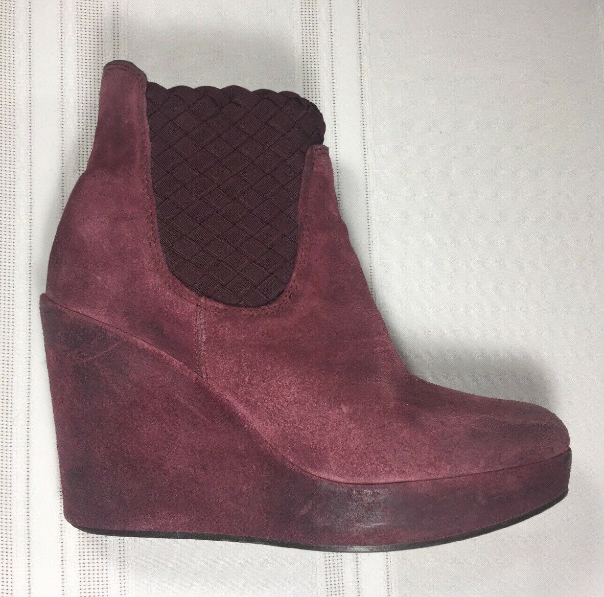 HOSS INTROPIA Ankle Boots SZ 7.5 7.5 7.5 Kristin Suede Distress Look Wedge Slip On 6949f7