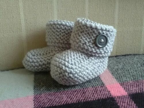 bootees *REDUCED* New Born Hand Knit Baby New born