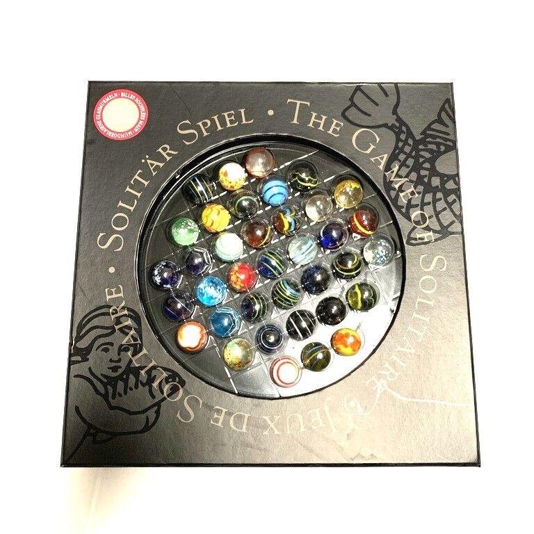 Le jeu de  solitaire en verre Marbles jeu de plateau par Authentic Model  autorisation de vente de la marque