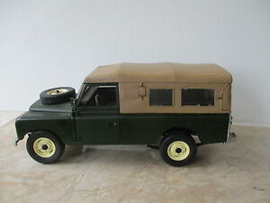 Modellauto-Universal-Hobbies-Land-Rover-Serie-II-III-Massstab-1-18-ohne-OVP