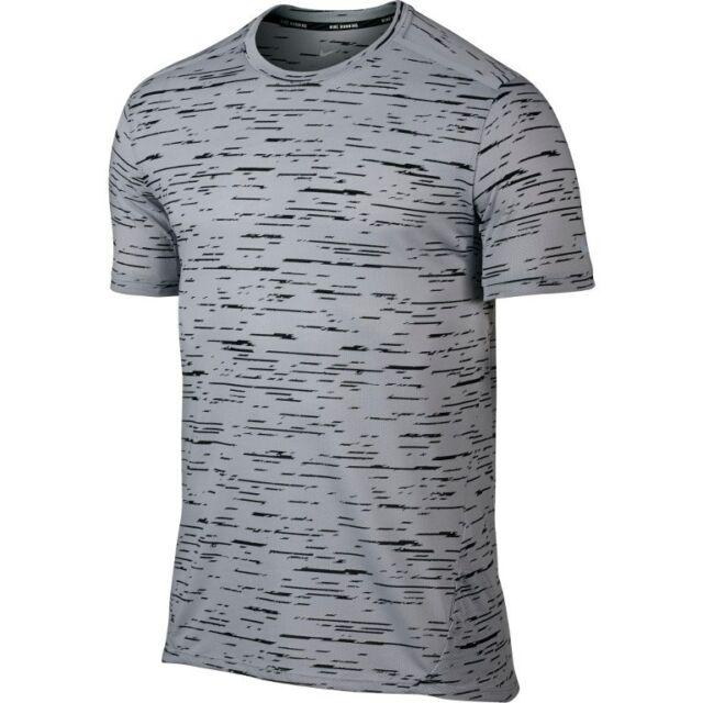 Nike M Men/'s TOUCH TAILWIND Stripe Running T Shirt w POCKET 799137 011 Black NEW