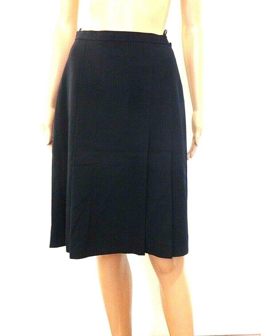 Vintage Burberry Skirt Size 38 M Kilt 100% Wool Navy Blue Woman