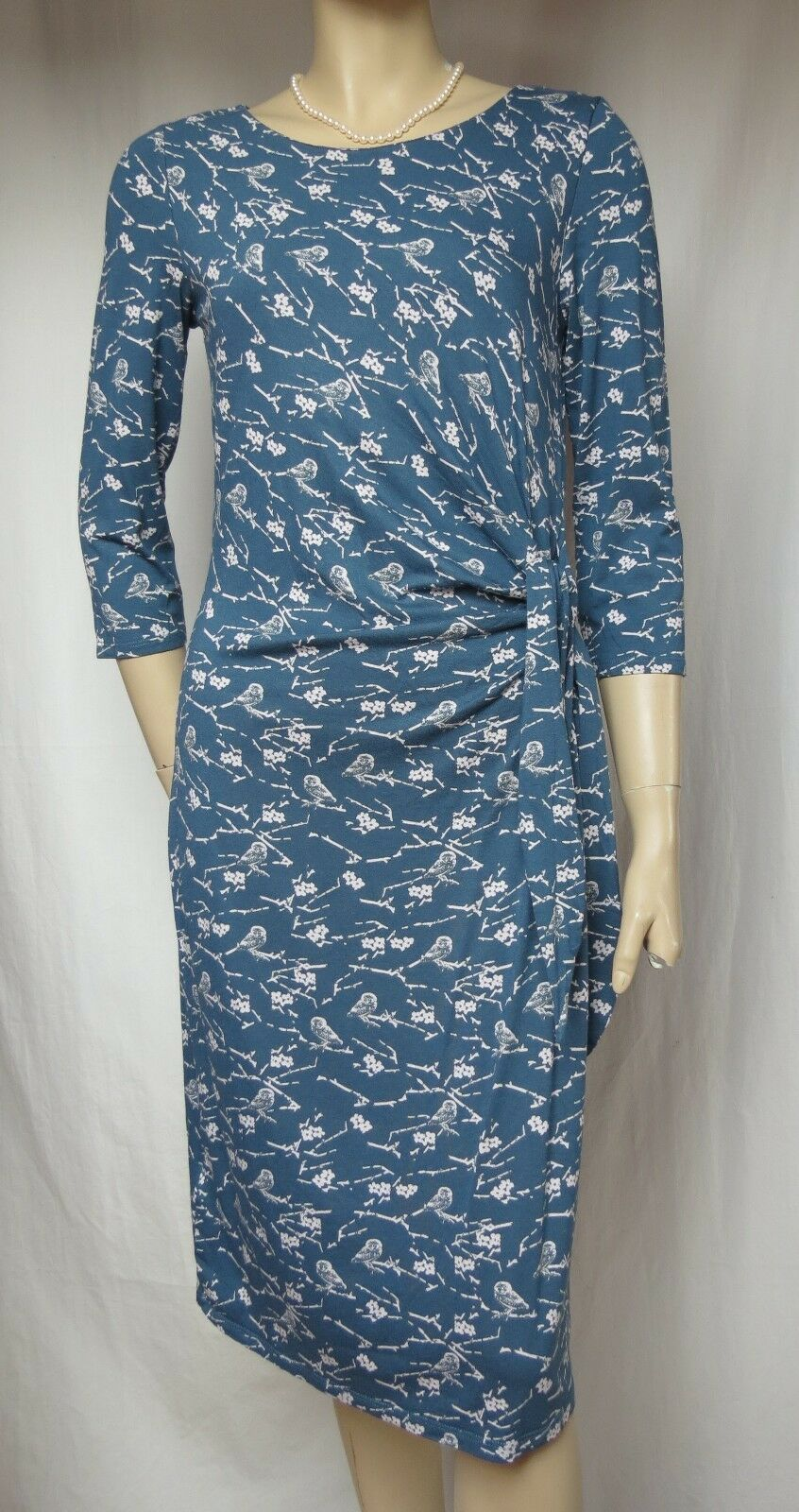 Laura Ashley Kleid 36 Wickel-Optik blau weiß Blaumen Vögel Muster Viskose Jersey