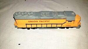 Bachmann 866 Union Pacific EMD GP-40 Diesel Locomotive HO (007)