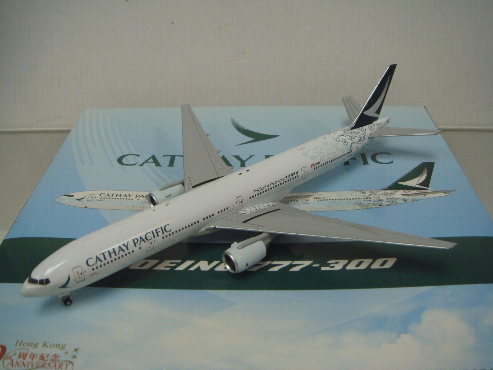 Jc Ailes 400 Cathay Pacific Airways CX B777-300  Hong Kong 20th Couleur  1 400