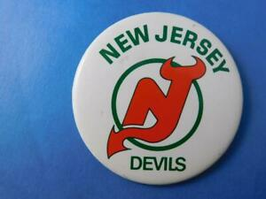 NEW-JERSEY-DEVILS-NHL-HOCKEY-BUTTON-LOGO-VINTAGE-FAN-SOUVENIR-PIN-BACK