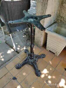 Pied de table de bistrot en fer forgé