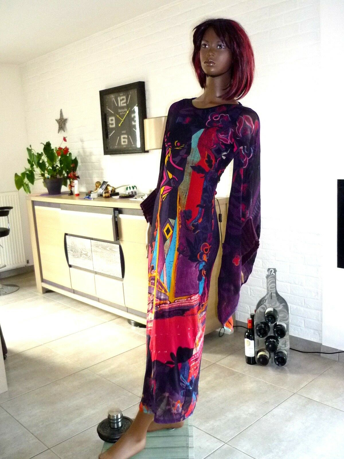 A VOIR      MAJESTUEUSE  LONGUE  ROBE coloreEE       SAVE THE QUEEN     TM  NEUVE 152c0f