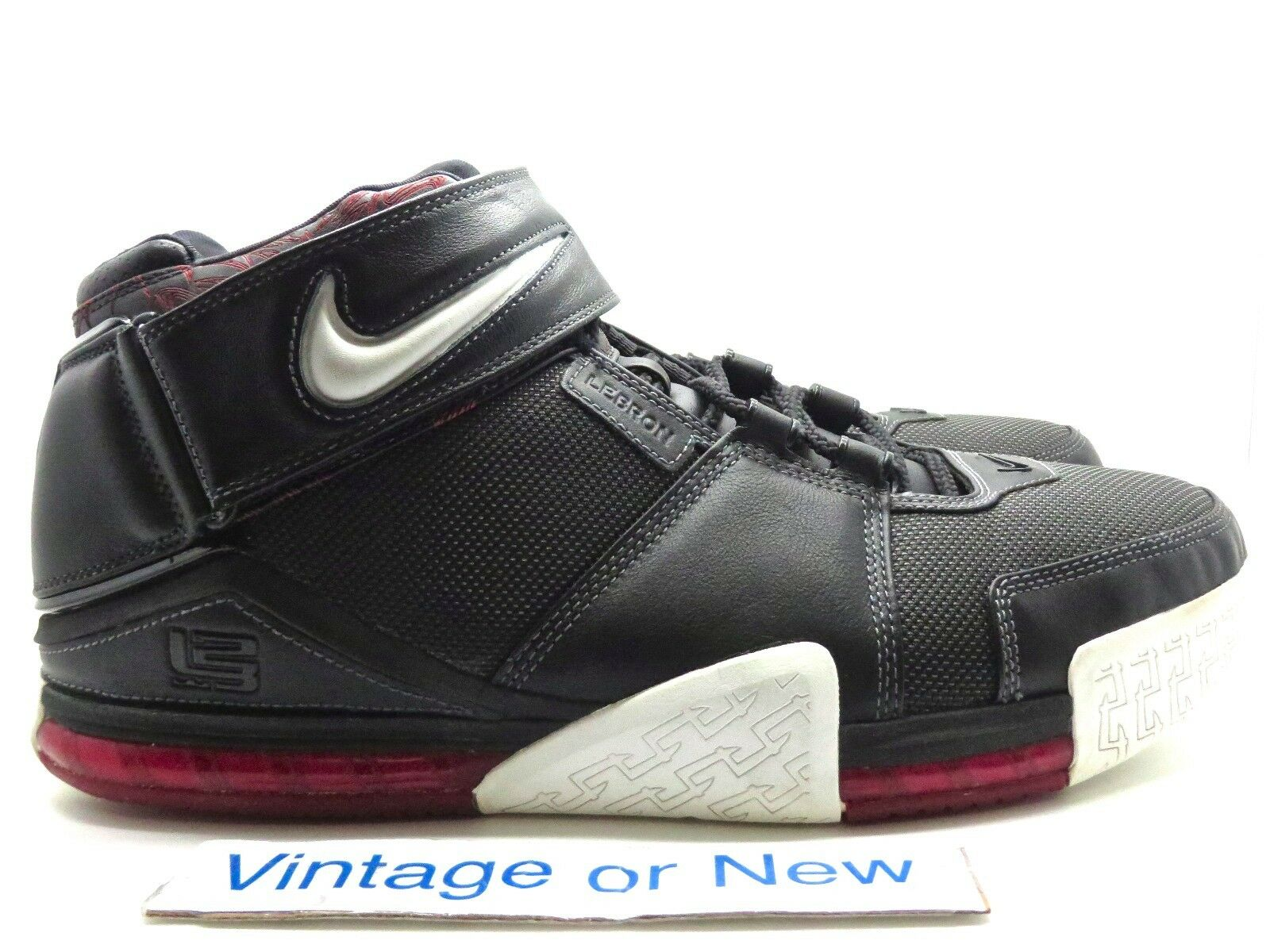 Nike Zoom LeBron II 2 Black White Metallic Silver Red 2004 sz 14