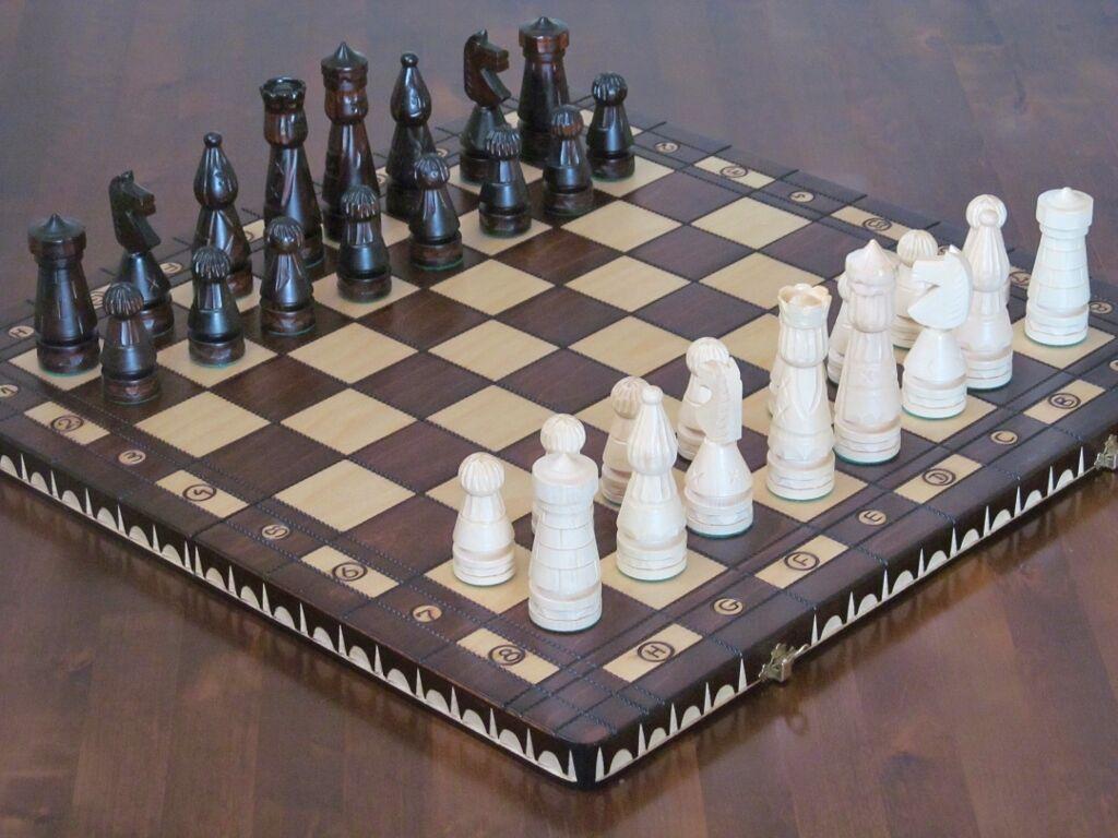 Brand new ♞ old style main jeu d'échecs en bois sculpté 56cmx56cm ♚