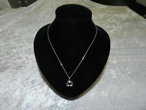 Ancienne chaîne et pendentif en or blanc massif 18 carats et diamants