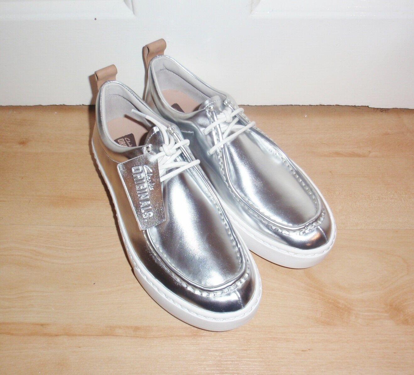 BNIB Clarks Originals Damenss PRIDDY WALLA silver Leder casual schuhe
