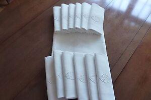 Service-de-table-damasse-de-coton-blanc-monogrammes-D-V-Ref-202-05