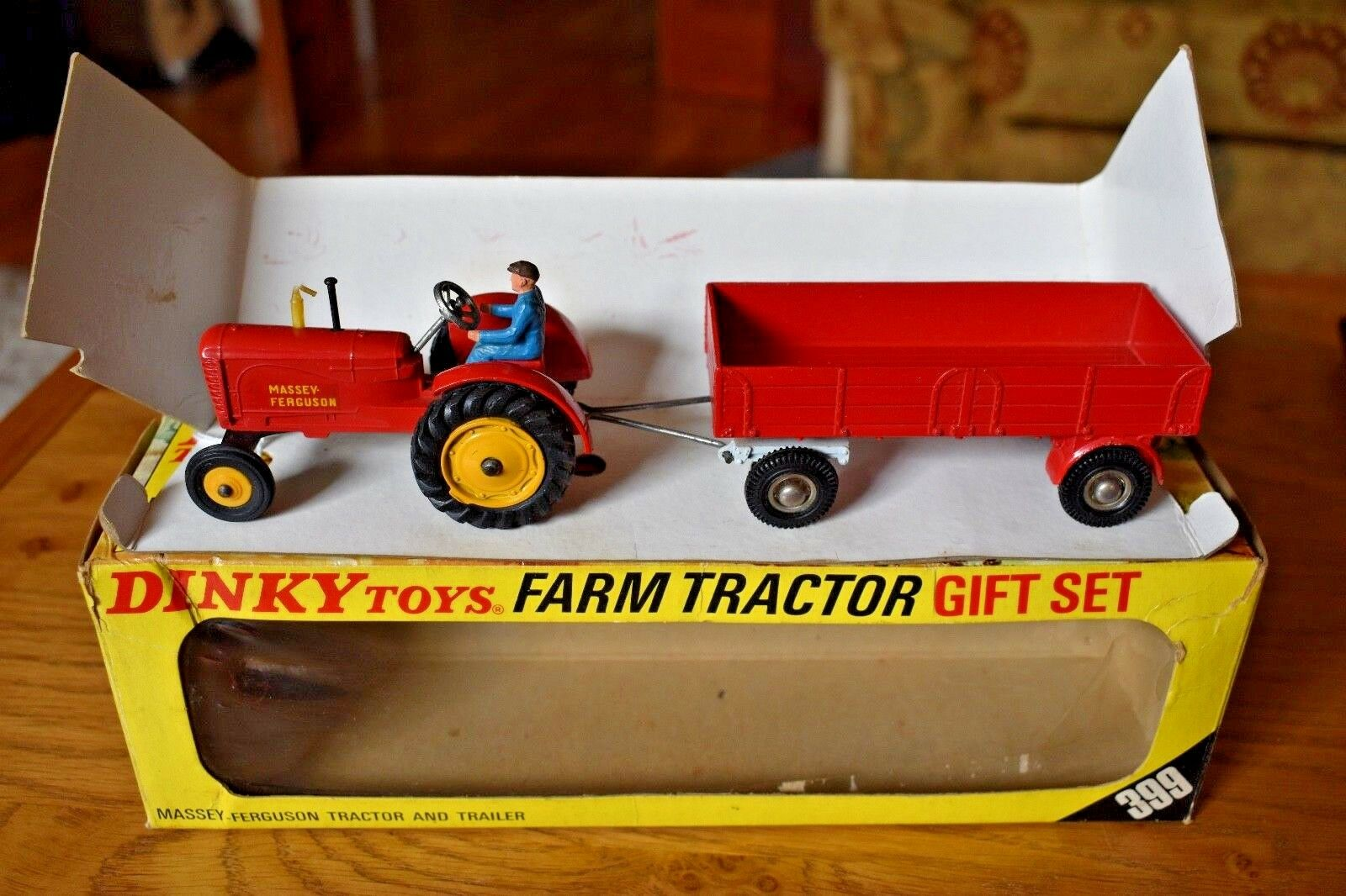 Dinky Toys Farm Tractor and Trailer Gift Set; 399; Original Box; Massey Ferguson
