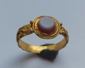 RARE-ANCIENT-ROMAN-HIGH-CARAT-TESTED-GOLD-RING-WITH-TWO-LAYERED-AGATE-200-300-AD
