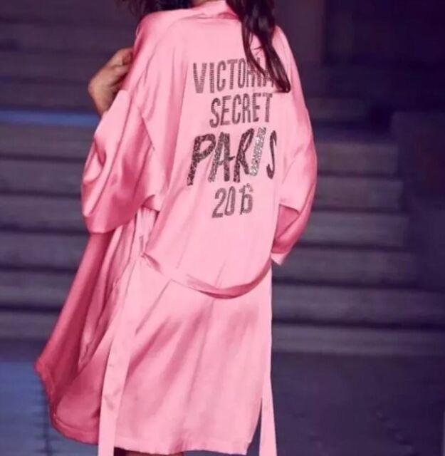 43804d9cc4 NWT Victoria s Secret Bling Fashion Show PARIS 2016 Backstage Pink Kimono  Robe