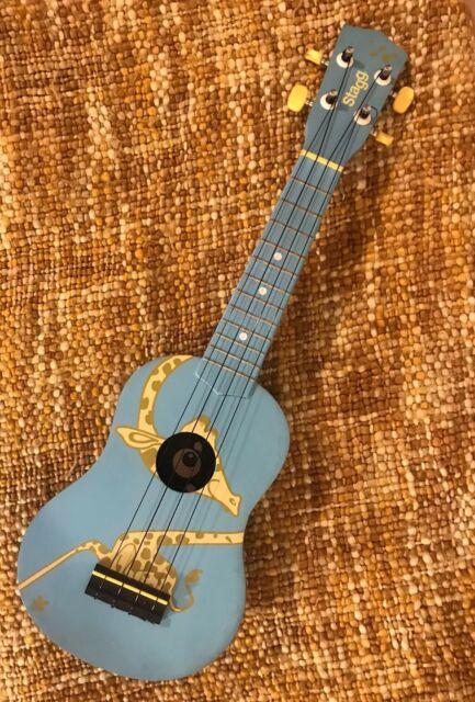 Stagg Soprano Ukulele Con Custodia Verde Musicale For Sale Online Ebay