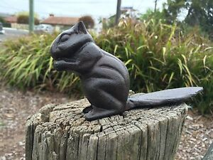 Rustic Cast Iron Squirrel Home Garden Door Stopper Stop