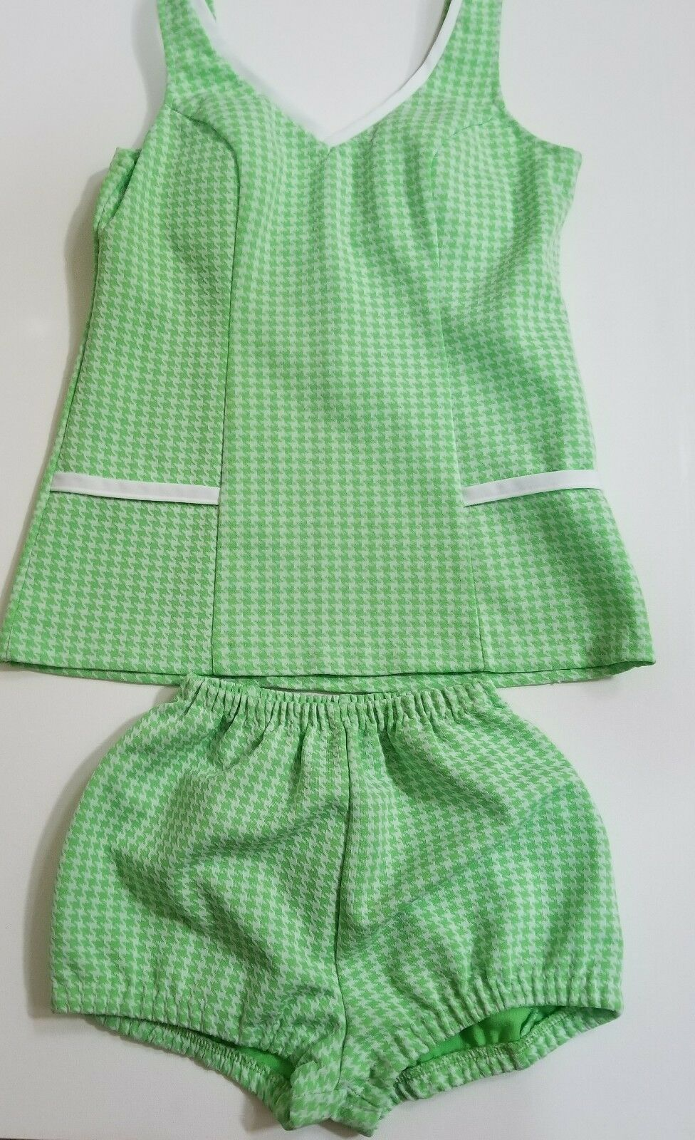 Vintage1950-1970  pin-up two piece small limegreenpolyesterleisure bathing suit