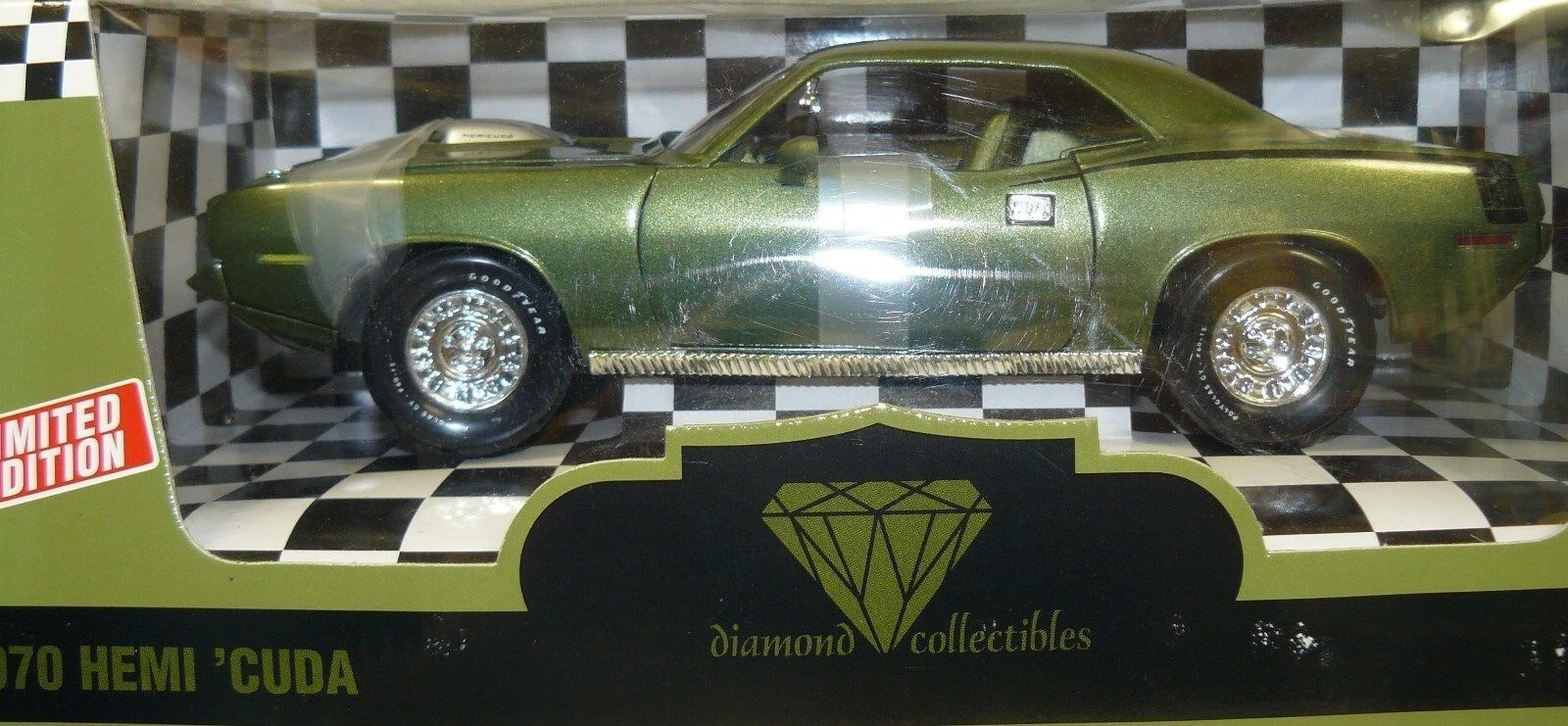 1 18 1970 Hemi Cuda , Ivy Green, Diamond Collectibles issue