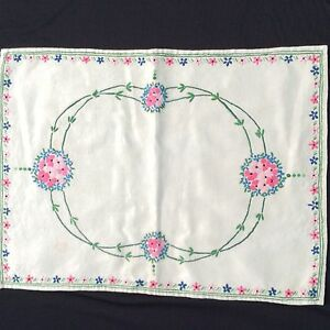 BEAUTIFUL VINTAGE LINEN HAND EMBROIDERED TRAY CLOTH ~ FLORALS Art nouveau style