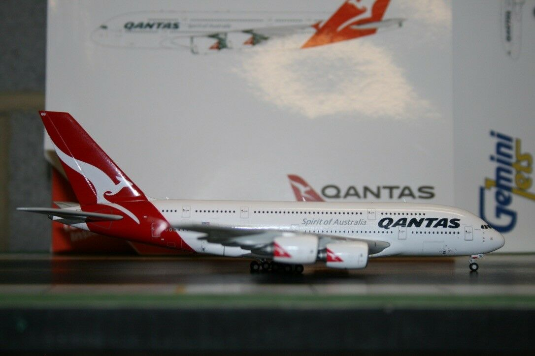 Gemini Jets 1 400 Qantas Airbus A380 VH-OQG (GJQFA1693) Die-Cast Model Plane