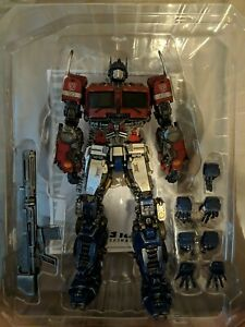 ThreeZero 3A DLX Optimus Prime Transformers Bumblebee movie Hasbro