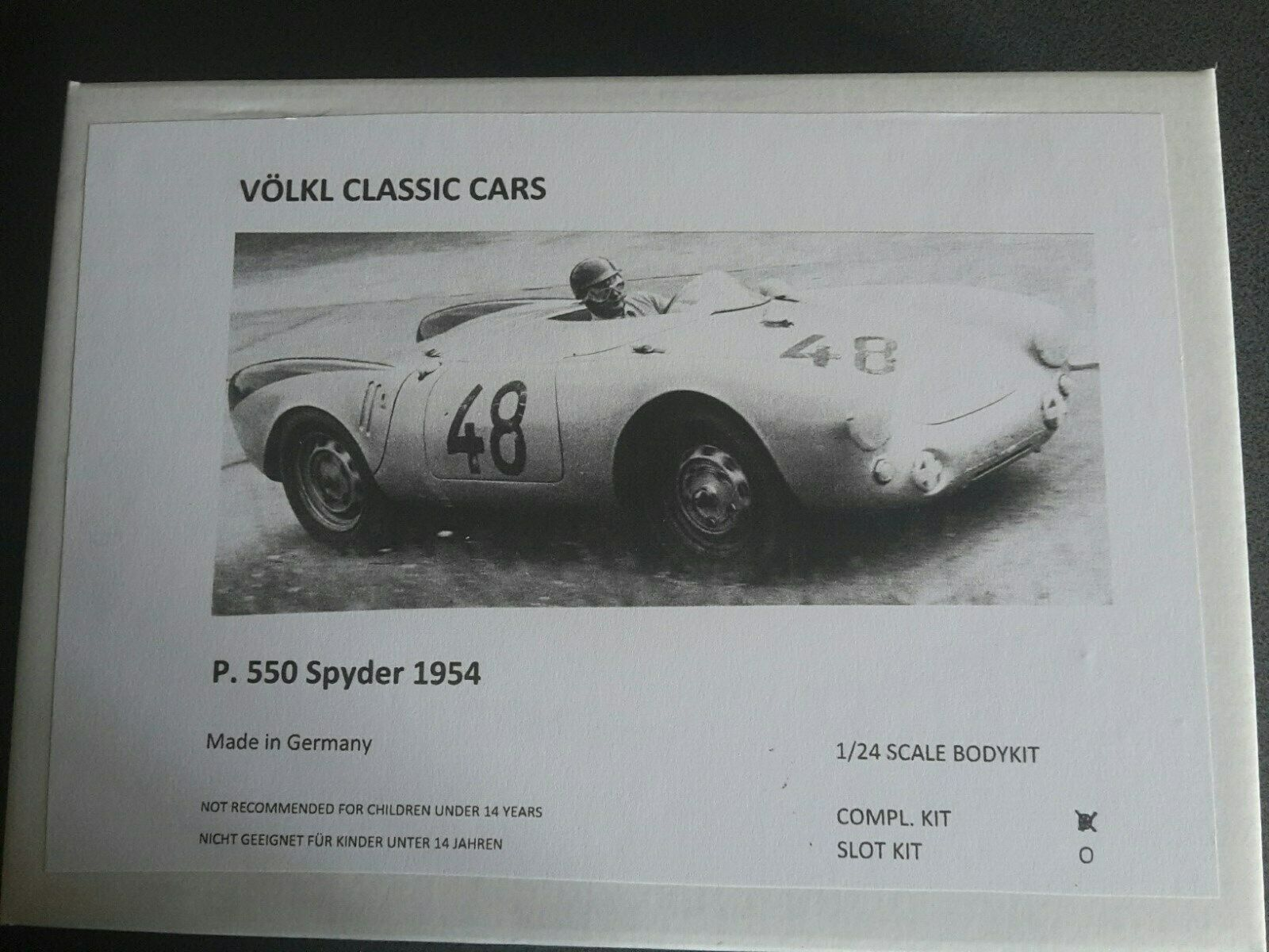1 24 Völkl Classic Autos  Porsche 550 Spyder 1954  Static Kit Modelllbausatz Neu