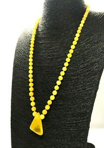 BALTIC-AMBER-NECKLACE-PENDANT-Yellow-Egg-Yolk-Round-Beads-Gift-Ladies-18g-A86