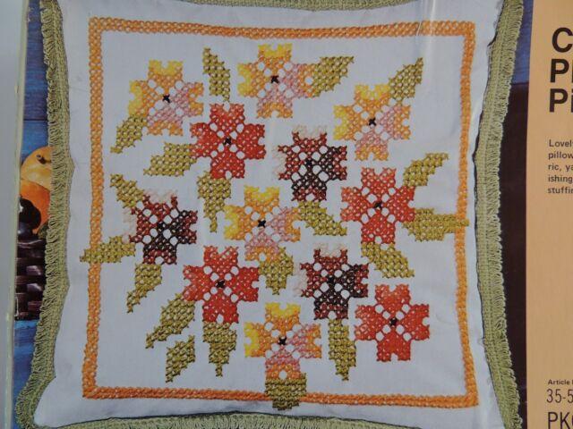 Phlox Floral Cross Stitch Pillow Kit Vtg 70s Retro LeeWards New 35-50282 White