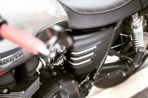 Motone Ribbed Side Covers Matte Black 2001 2015 Triumph Thruxton