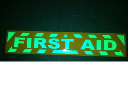 REFLECTIVE HI VIZ FIRST AID MAGNETIC SIGN OR STICKER CHEVRONS HEAVY DUTY