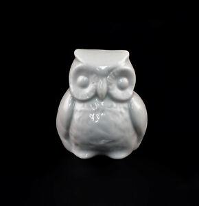 9942853-Porcelain-Figurine-Bird-Little-Owl-White-Wagner-amp-Apel-H4-5cm