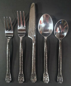 Gourmet-Settings-GS-Avalon-5pc-Place-Setting-Service-for-One-Very-Good-Used