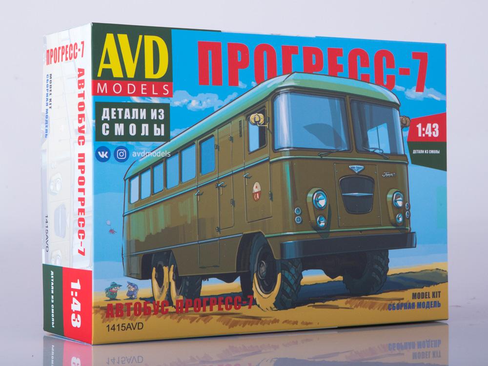 PROGRESS 7 military bus Unassembled Kit AVD Models by SSM 1 43