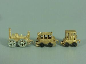 LOKS-Dampf-Lok-mit-2-Waggons-aus-Metall-D-1976-Golden