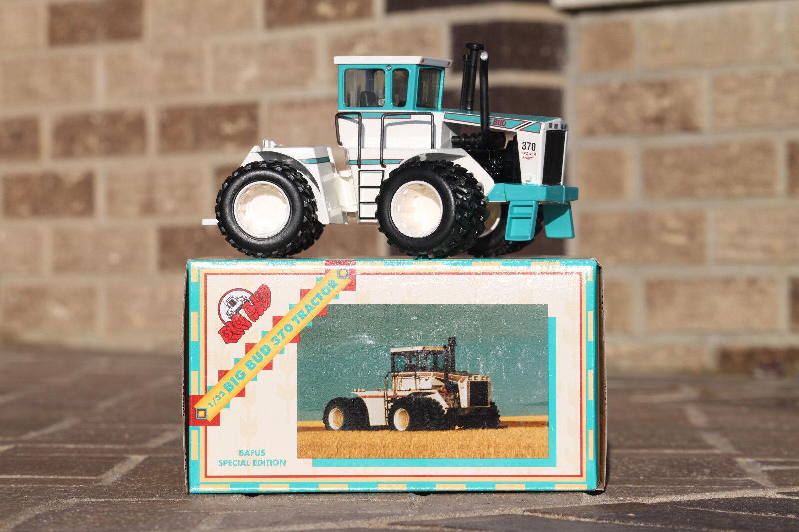 BIG BUD Toy Farmer 1 32  370 Bafus bluee  2 in set of 4