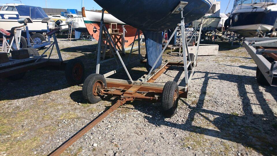 Bådvogn, god bådvogn, lavet som en platform med...