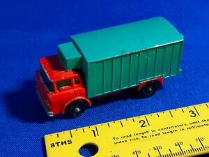 1966-1969-MATCHBOX-LESNEY-44-Refrigerator-Truck-A-Red-Green-VTG-car-toy