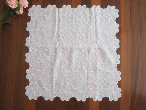 Beautiful White Flower Embroidery Cotton Polyester Table Topper 55cm