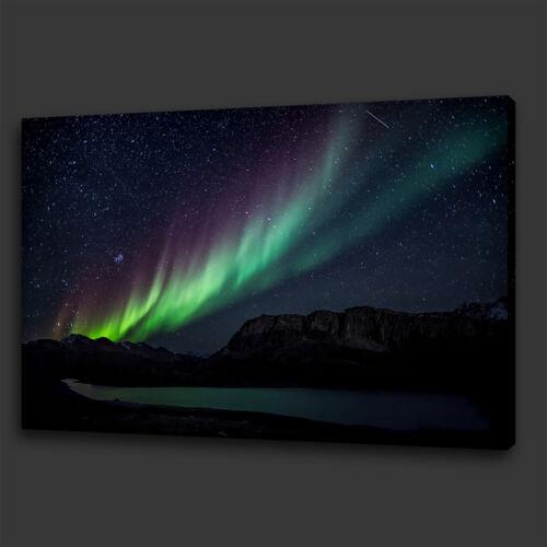 BEAUTIFUL AURORA NORTHERN LIGHTS SKYLINE BOX CANVAS PRINT WALL ART PICTURE PHOTO