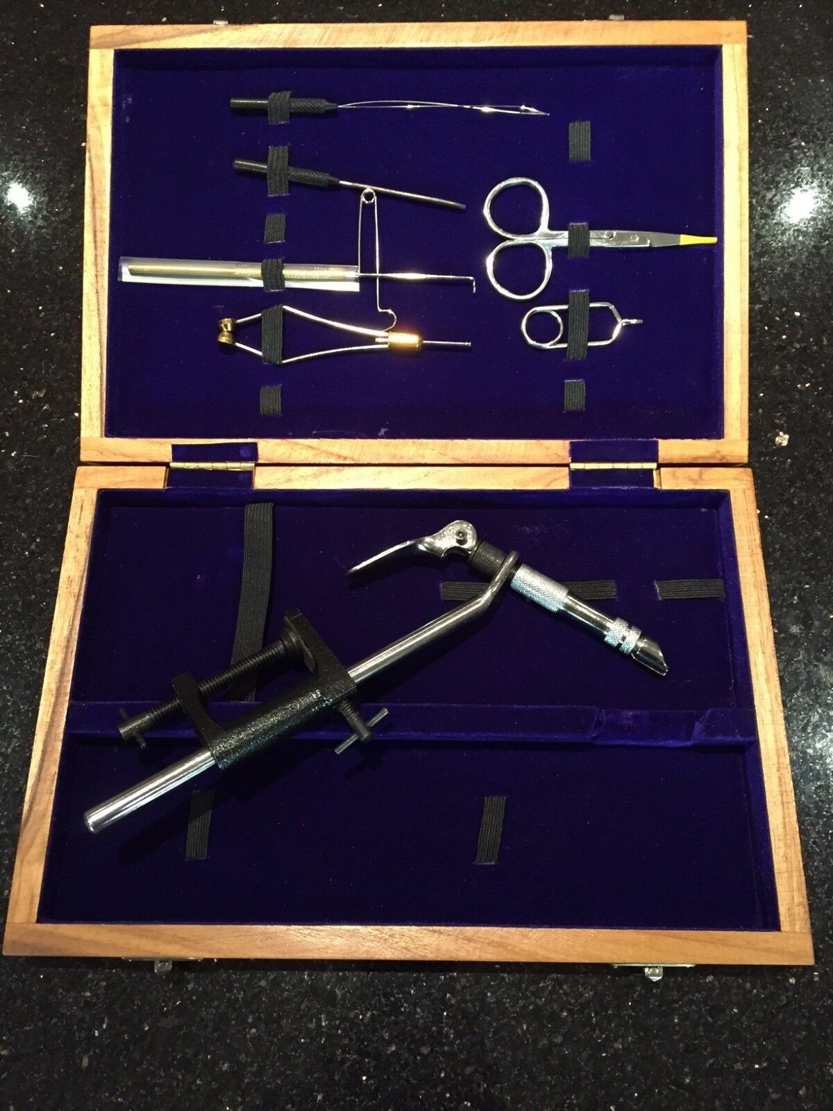 ASL Fly Fishing Tying Tool Kit   Set In Wooden Case  A230